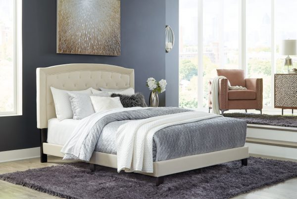 Adelloni - Cream - Queen Upholstered Bed - 1